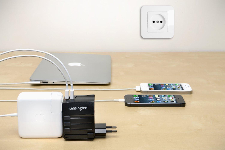 Ổ cắm điện đa năng Kensington International Travel Adapter with dual USB Charger