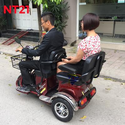 xe ba bánh điện 2 ghế ngồi