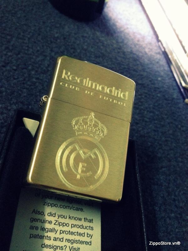 Zippo Khắc Logo Real Madrid