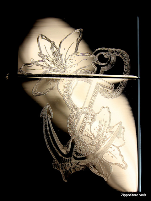 Zippo Phong Thủy Khắc Mỏ Neo Và Hoa Loa Kèn