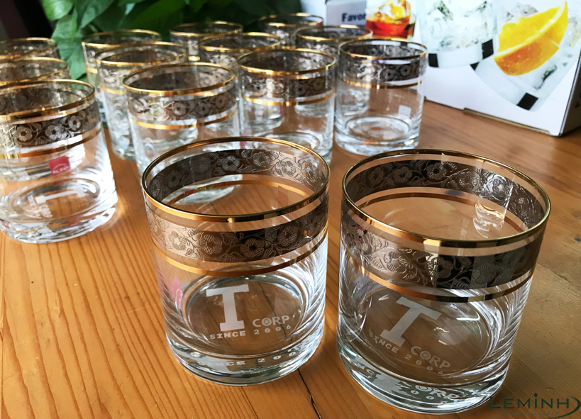 ly ruou whisky bohemia khac logo so luong lon Tcorp Tri Viet