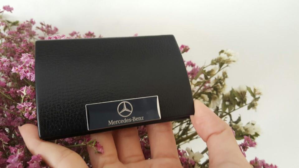 Hop dung namecard Mercedes Benz