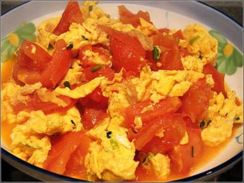 Cà chua xào với trứng gà