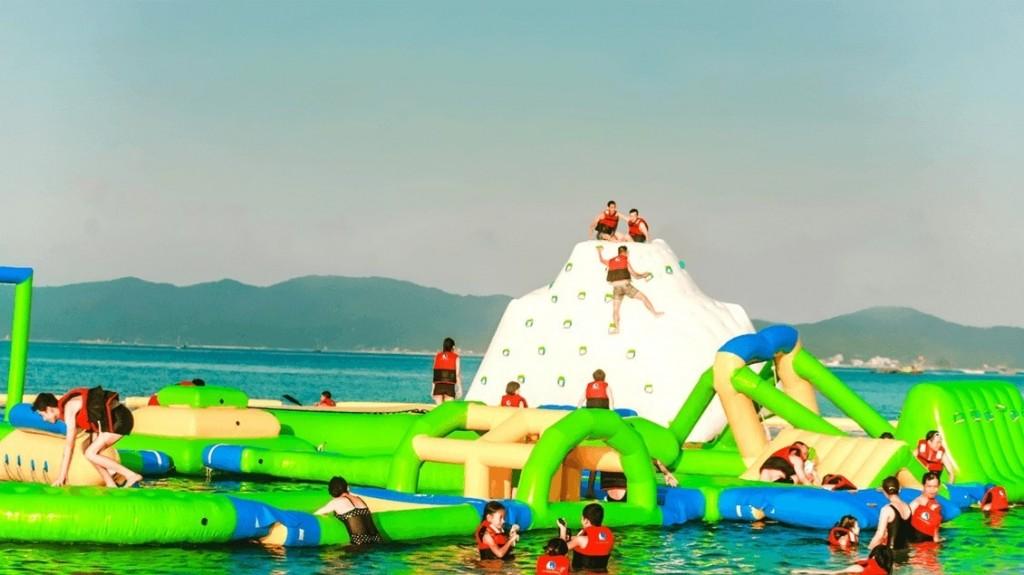 Trò chơi chinh phục băng hấp dẫn tại du lịch đảo Cô Tô