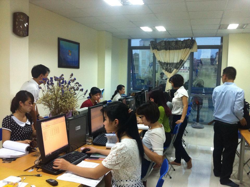Các học viên khóa đầu của kế toán 112