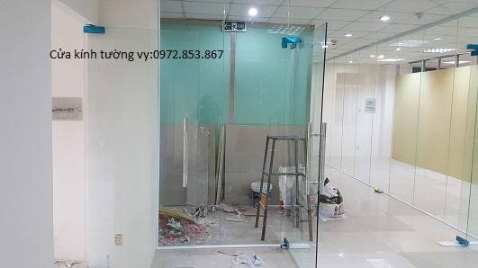 tháo vách kính văn phòng,cửa kính,vách nhôm kính quận 1