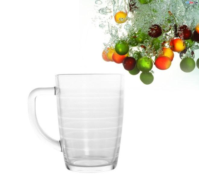 Cách để ly thủy tinh không bể khi rót nước sôi 1
