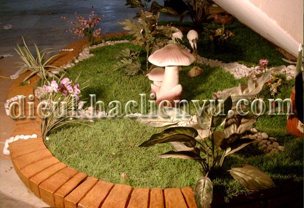 Tiểu cảnh sân vườn góc cầu thang