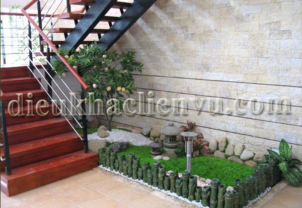Tiểu cảnh sân vườn dưới gầm cầu thang
