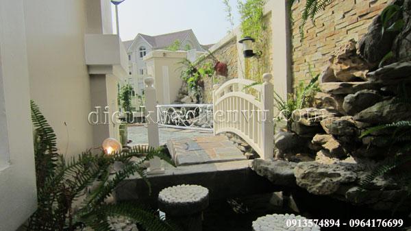 sân vườn trong Vincom