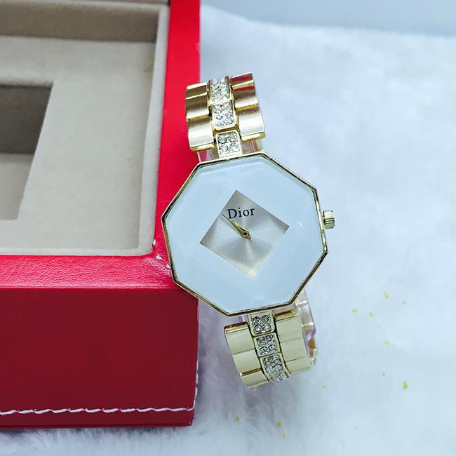 đồng hồ đeo tay nữ giá rẻ