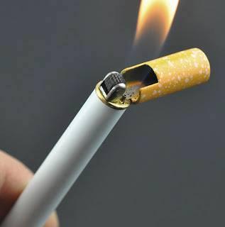 bật lửa hình điếu thuốc