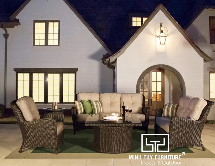 Sofa mây nhựa phòng khách tô điểm không gian nhà bạn