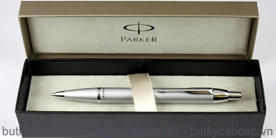 Hộp đựng bút bi Parker IM Nicken cài vàng