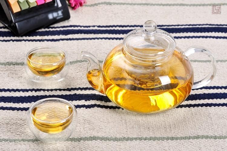 ấm pha trà thuỷ tinh và chén thuỷ tinh hai lớp giữ nhiệt