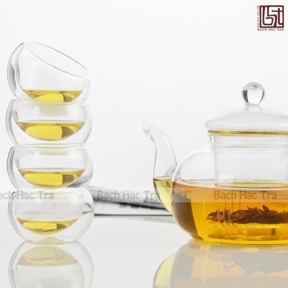 bộ thưởng trà thuỷ tinh bao gồm ấm thuỷ tinh và chén thuỷ tinh hai lớp
