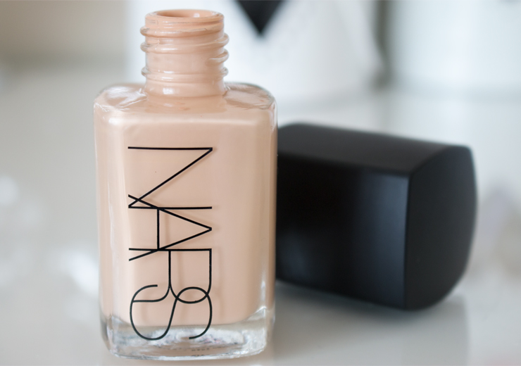 kem nen NARS SHEER GLOW FOUNDATION