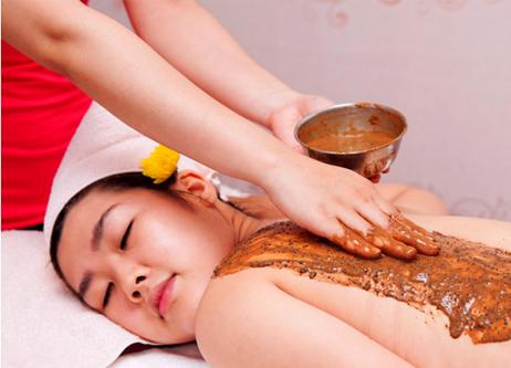 Một liệu trình dưỡng da toàn thân được thực hiện như thế nào 2