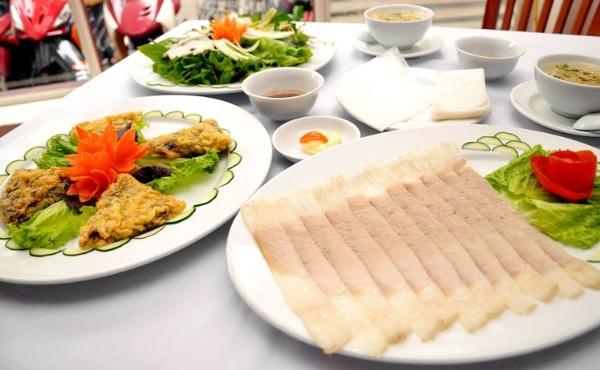Bánh tráng cuốn thịt heo - Du lịch miền Trung 5 ngày 4 đêm
