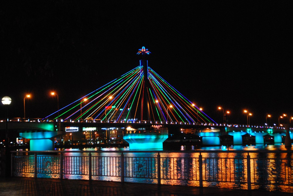 Cầu sông Hàn - Du lịch miền Trung 5 ngày 4 đêm