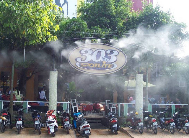 may phun suong lam mat