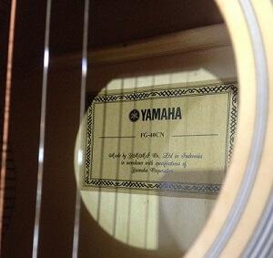 Đàn guitar Yamaha FG-40CN