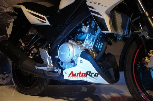 FZ150i trang bị động cơ độc quyền của Yamaha, dung tích 150cc, SOHC, làm mát bằng dung dịch, phun xăng điện tử