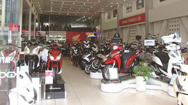 Cửa hàng xe máy tồn nhiều xe, tồn kho xe máy tại HEAD, bán chậm, tồn kho