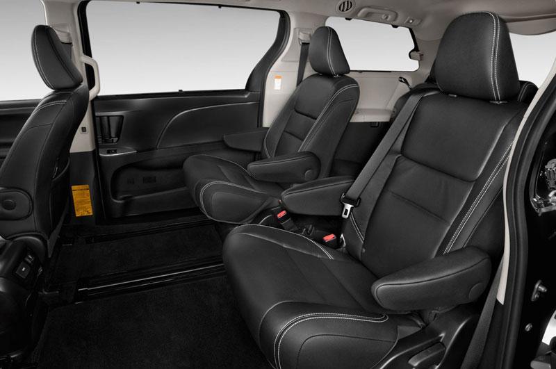 Khoảng không gian rộng rãi, nội thất rộng rãi, nội thất Toyota 2015