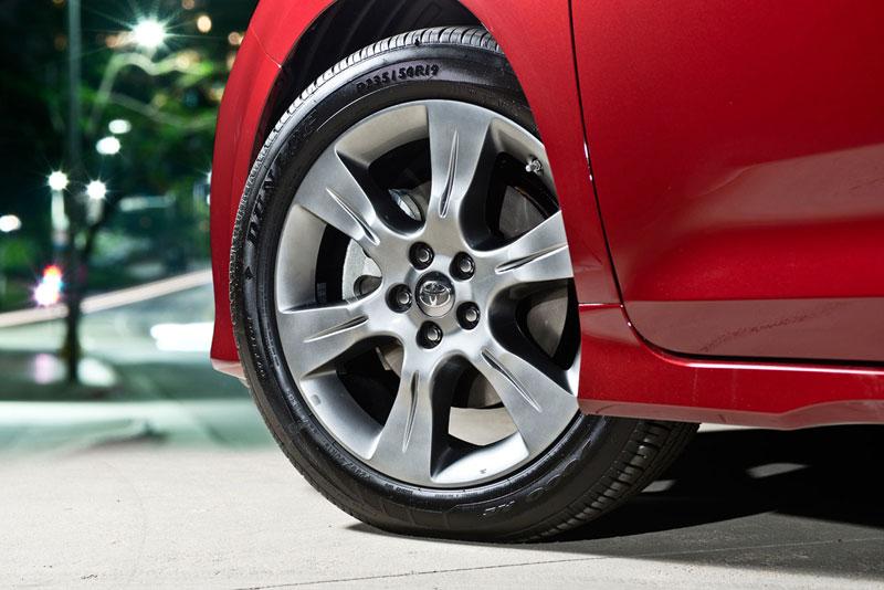 Vành xe thiết kế đẹp mắt, Toyota Siena