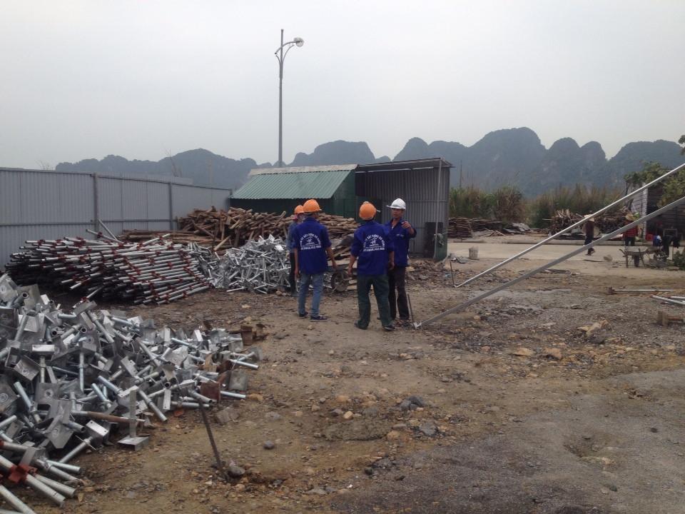 cho thuê giáo nêm, ván phủ fim tại Quảng Ninh