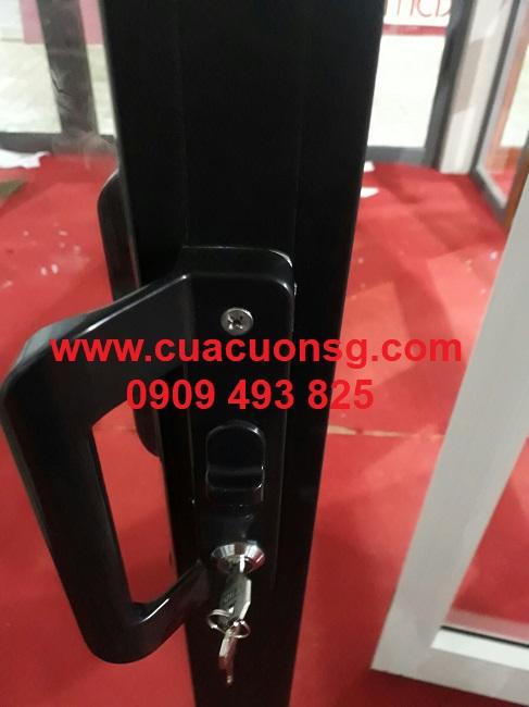 Khung và khóa cửa nhôm Xingfa lùa trượt