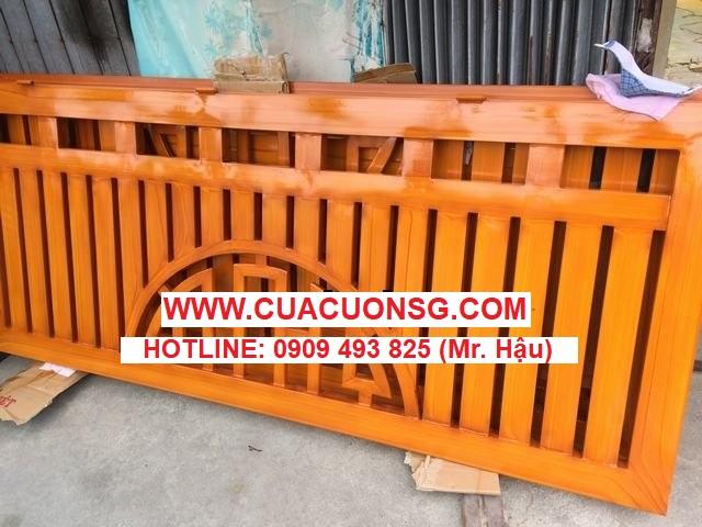 Sơn giả gỗ trên cổng sắt mạ kẽm
