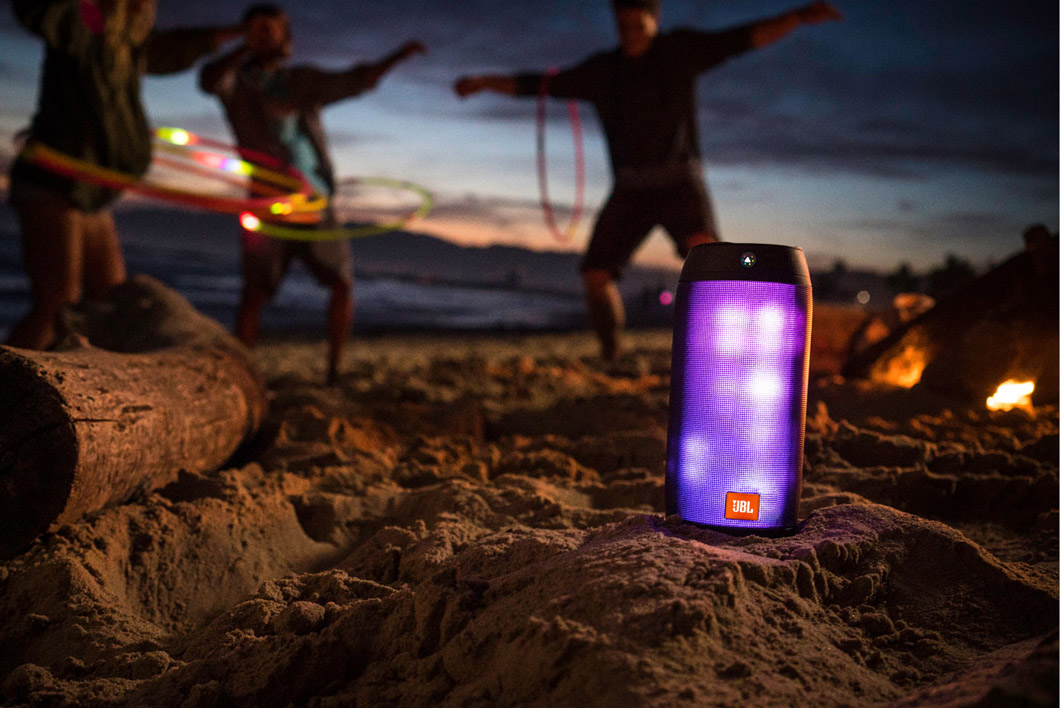 Loa không dây JBL Pulse 2 Bluetooth Speaker with LED Light Show