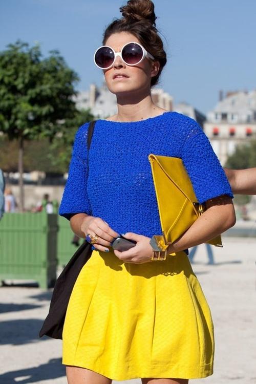 váy công sở màu vàng kết hợp xanh coban