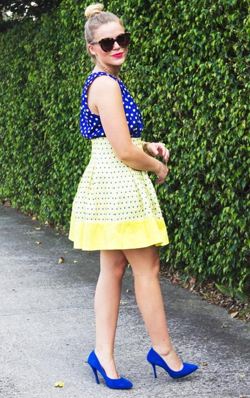 váy công sở chấm bi