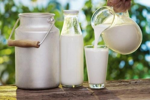 Duỗi tóc tại nhà với sữa tươi cực hiệu quả