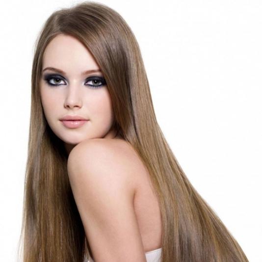 Sử dụng tinh dầu dưỡng tóc giúp tóc óng mượt