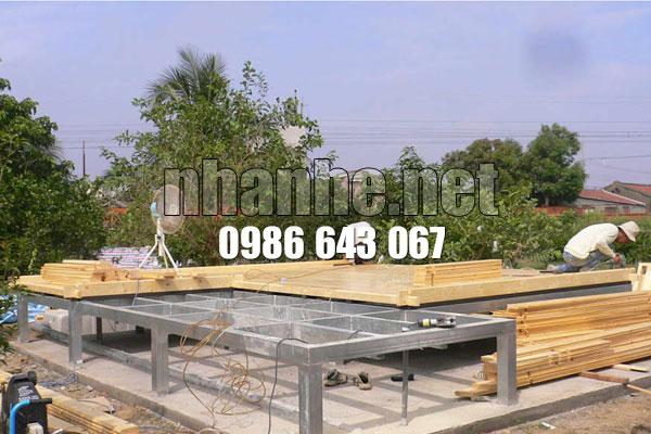 lắp đặt sàn gỗ nhà gỗ kết hợp nhà thép lắp ghép