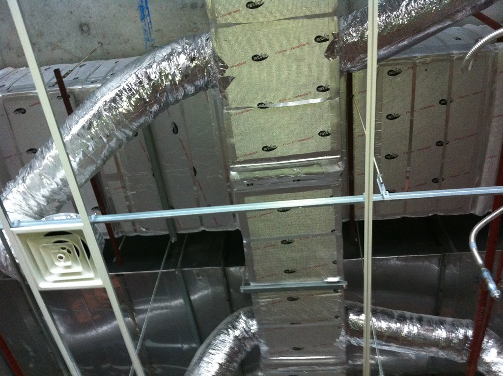 hệ thống thông gió bệnh viện hồng ngọc