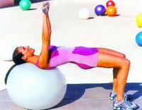 Giảm mỡ bụng với bóng tập Yoga