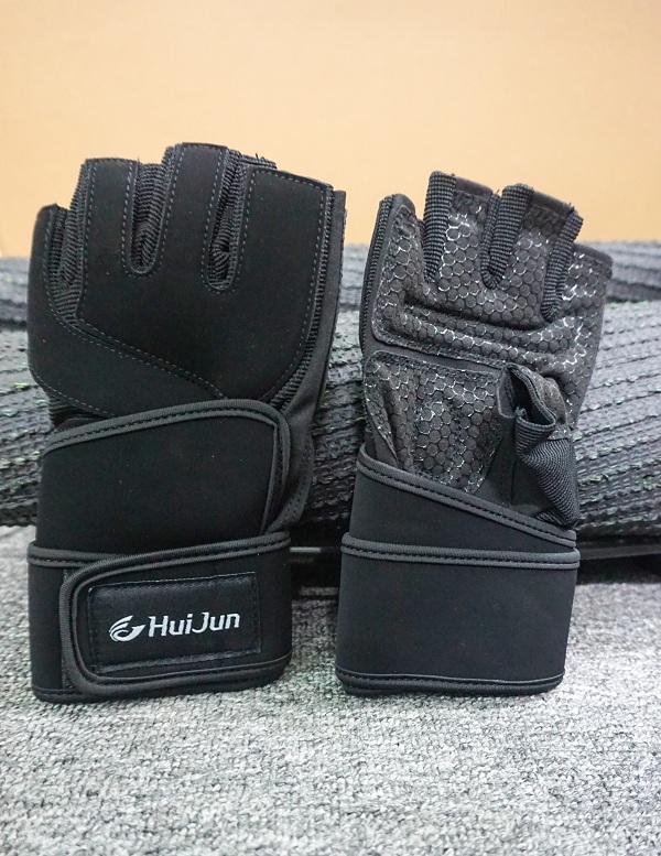 Găng tay tập Gym HJ-C1007 được may từ chất liệu da kết hợp vải lưới thiết kế đẹp mắt