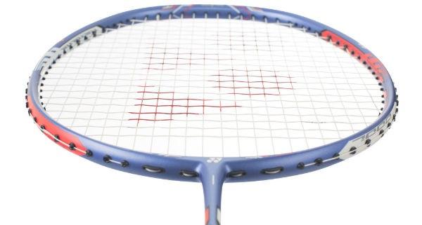Vợt cầu lông  Yonex Duora 10 LCW là mẫu vợt dành cho người chơi có lực đánh mạnh mẽ
