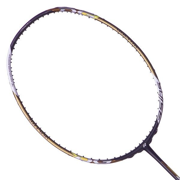 Yonex Voltric 11 DG Slim đã đạt được sự kết hợp giữa những cú đập mạnh và xử lý vợt nhanh hơn