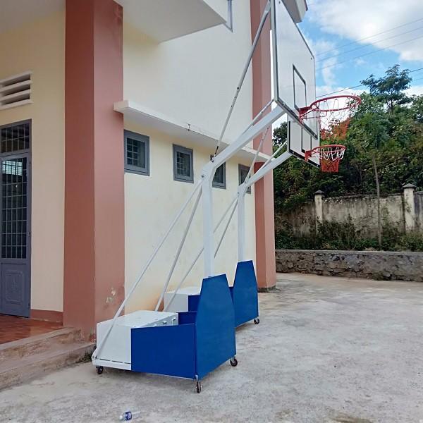 Chi tiết trụ bóng rổ di động Pano Composite