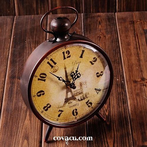 Đồng hồ để bàn độc đáo tặng sinh nhật bạn trai tại vietgiftcenter