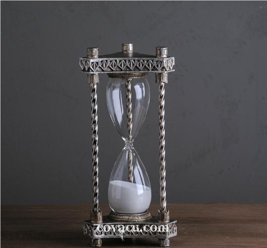Đồng hồ cát kiểu cổ trang trí