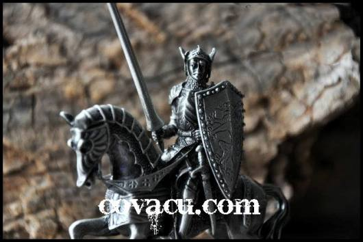 Tượng chiến binh giả cổ vintage độc đáo