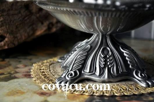 Đĩa giả bạc trang trí hoa văn độc đáo