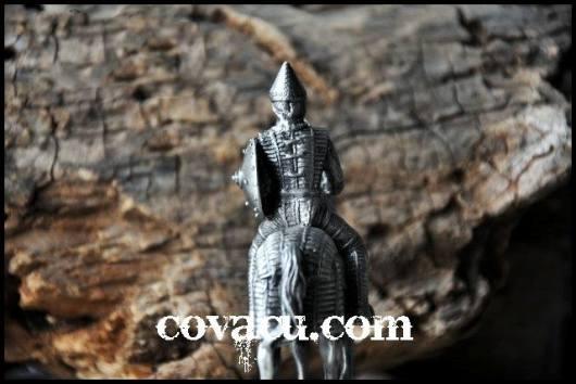 Tượng chiến binh trang tri kieu co